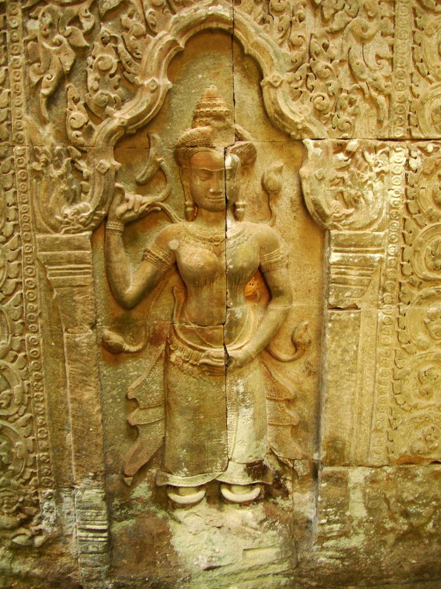 Preah Khan Temple Bas relief female divinty main enclosure 01