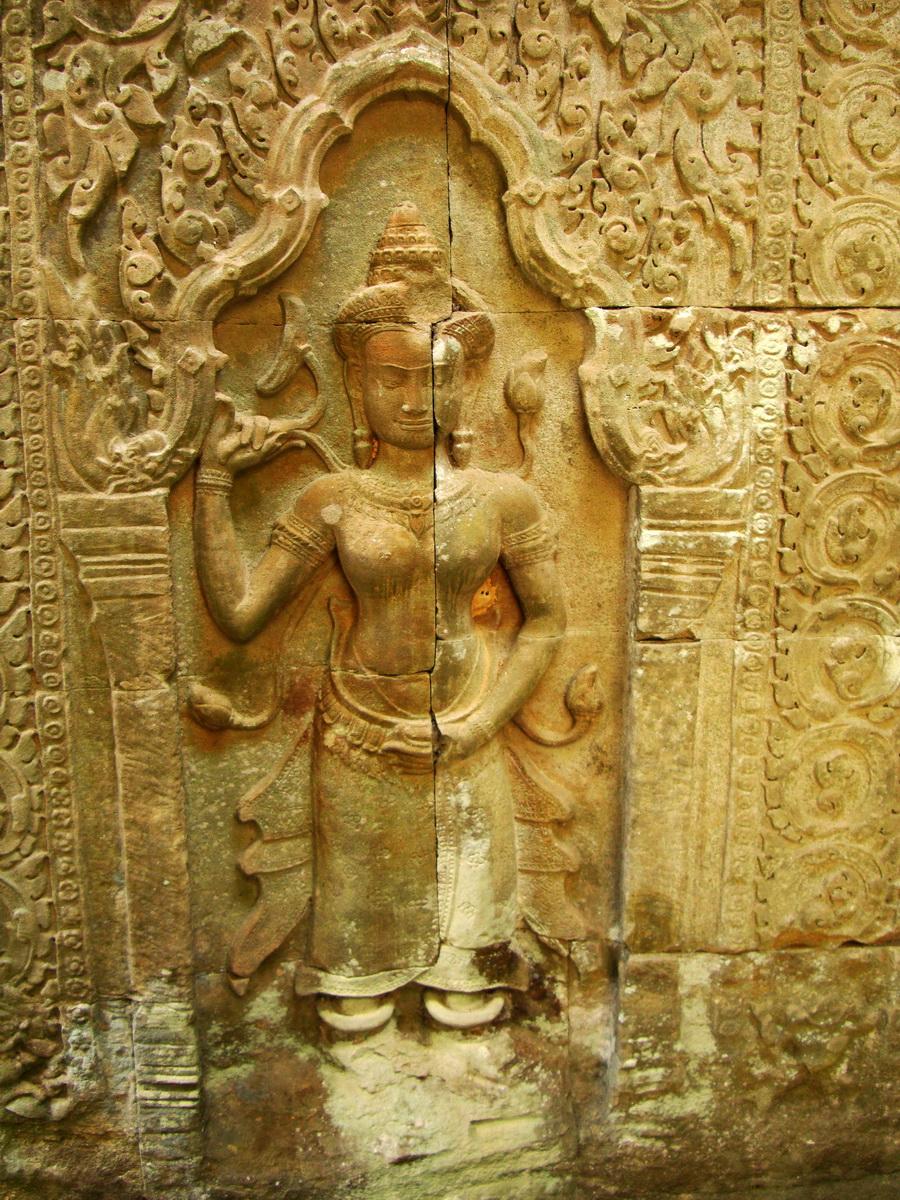 Preah Khan Temple Bas relief female divinty main enclosure 03
