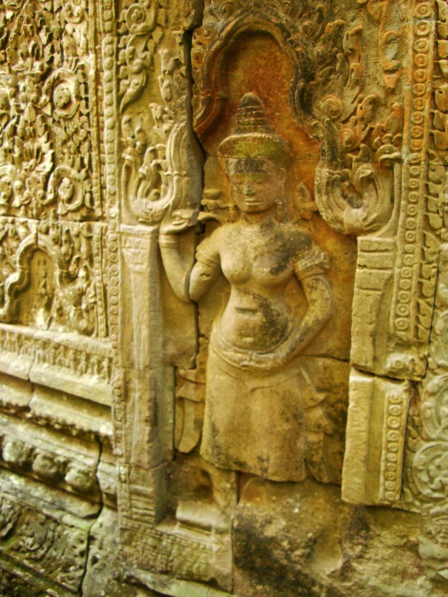 Preah Khan Temple Bas relief female divinty main enclosure 04