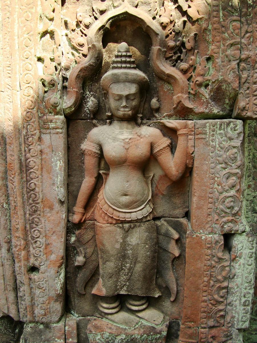 Preah Khan Temple Bas relief female divinty main enclosure 15