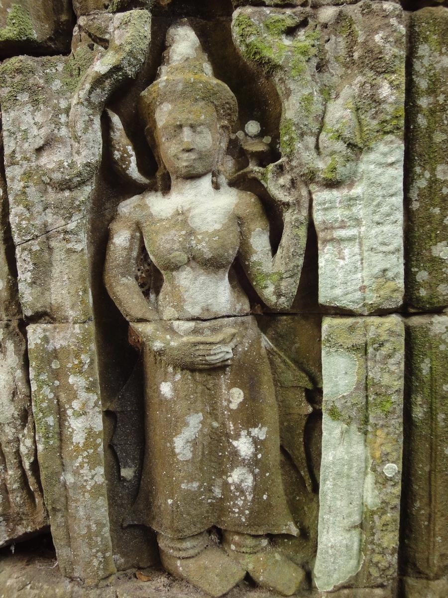 Preah Khan Temple Bas relief female divinty main enclosure 19
