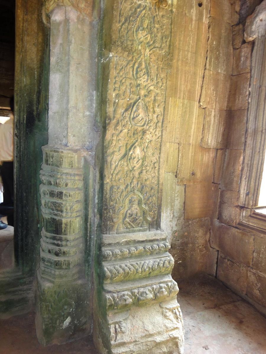 Preah Khan Temple Bas relief hermits in prayer column 01