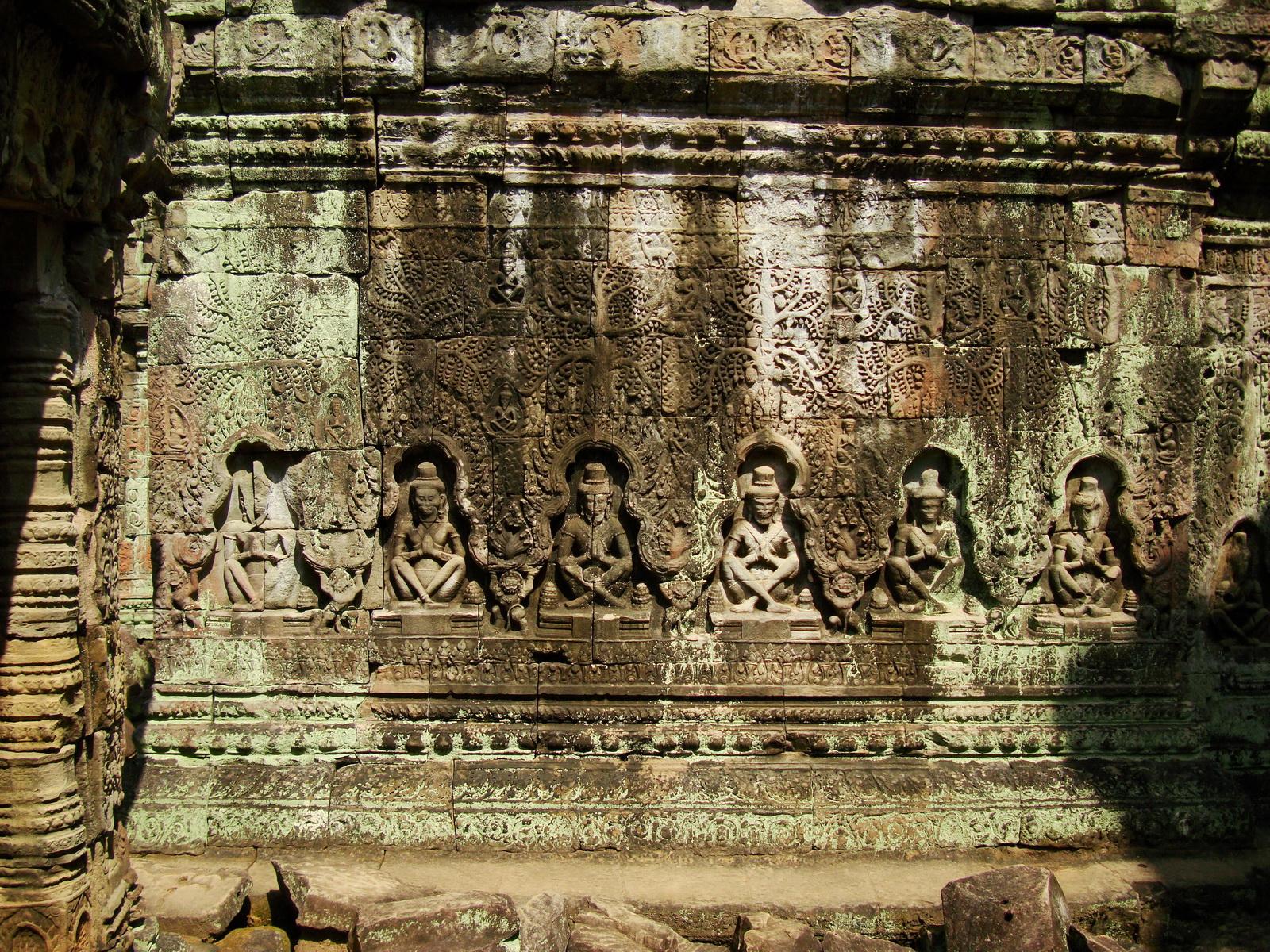 Preah Khan Temple Bas relief hermits in prayer main enclosure 03