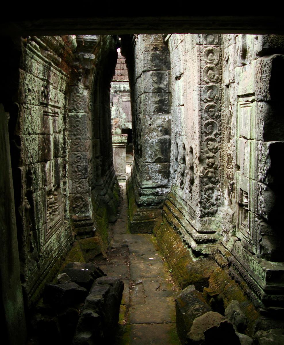 Preah Khan Temple Bas relief inner wall designs Preah Vihear province 01