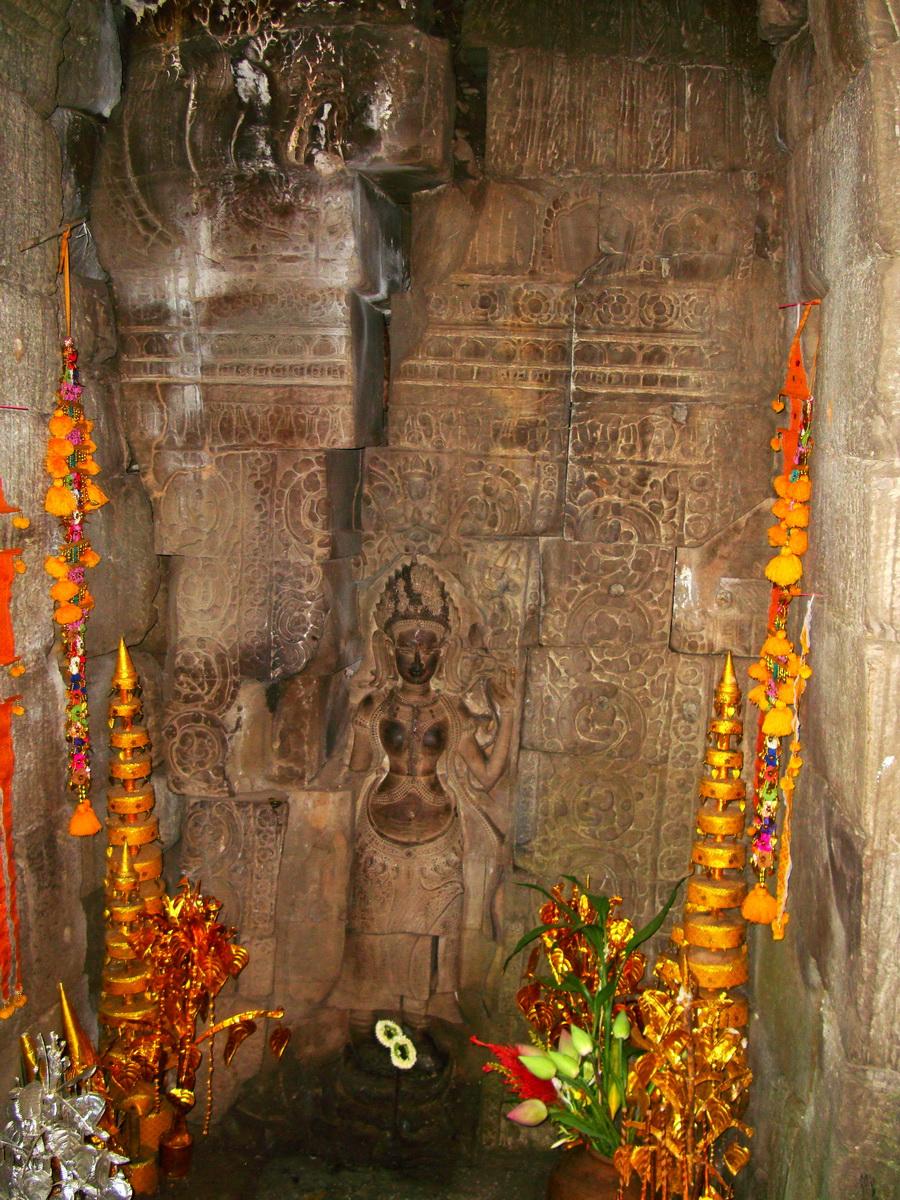 Preah Khan Temple Bas relief main female divinty shrine area 02