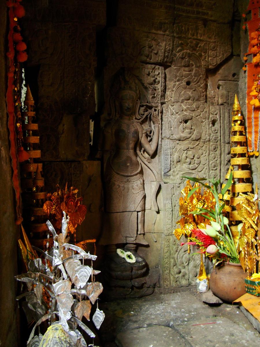 Preah Khan Temple Bas relief main female divinty shrine area 05