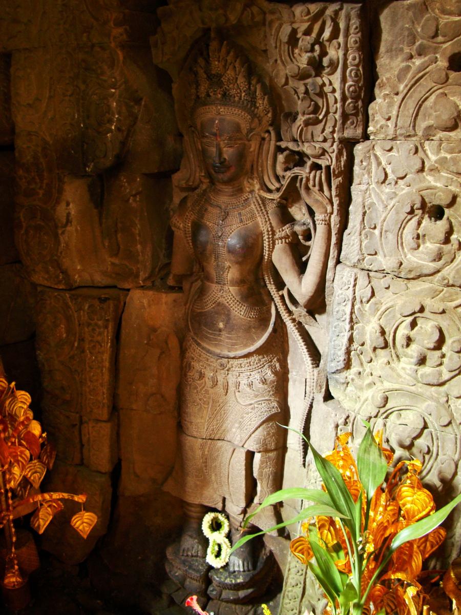 Preah Khan Temple Bas relief main female divinty shrine area 06