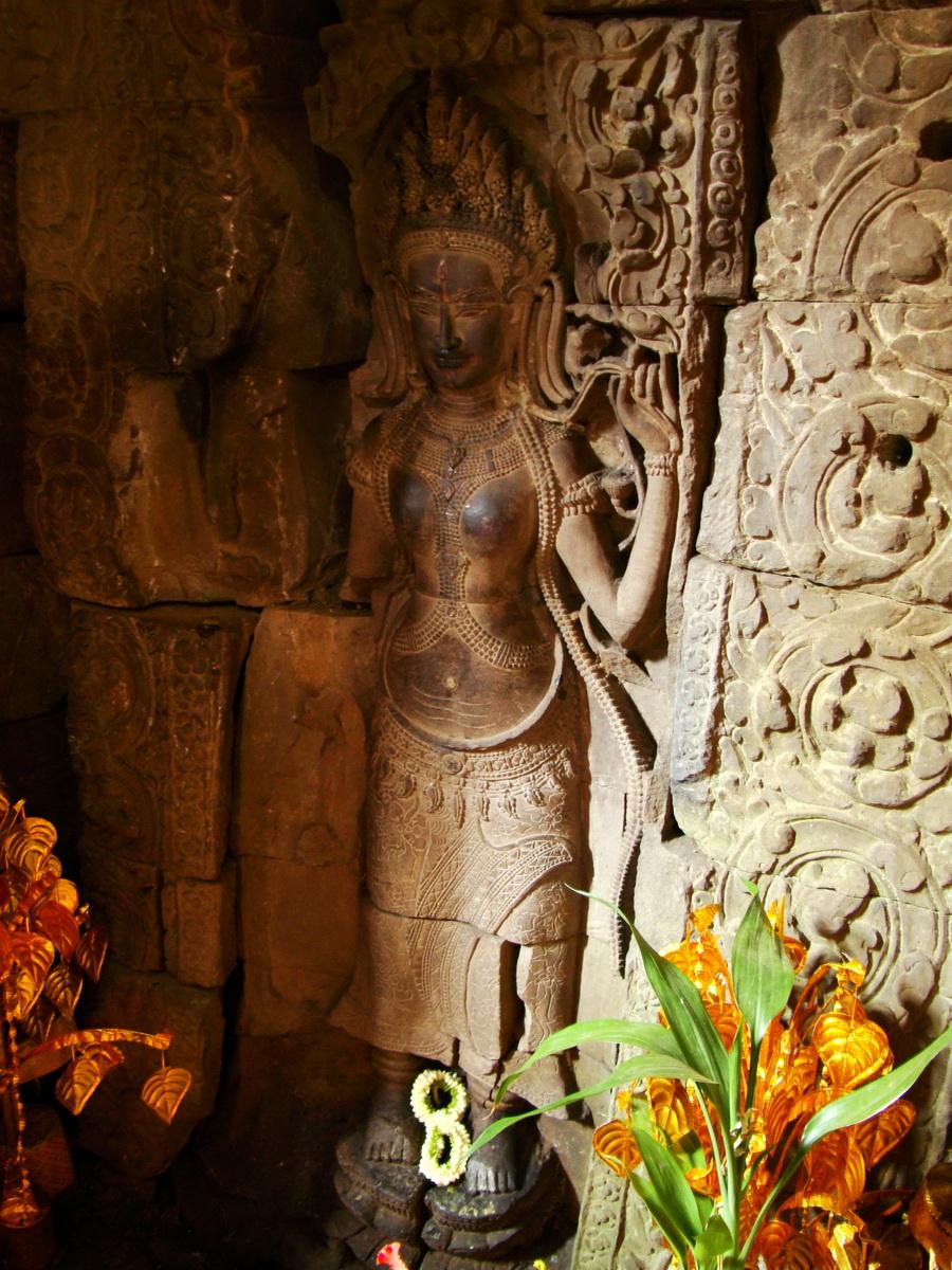 Preah Khan Temple Bas relief main female divinty shrine area 07