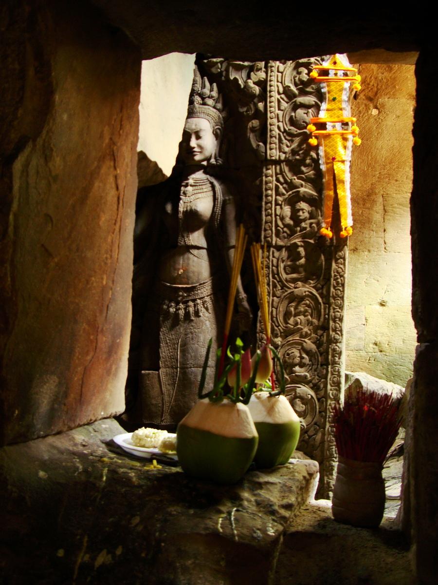 Preah Khan Temple Bas relief main female divinty shrine area 09