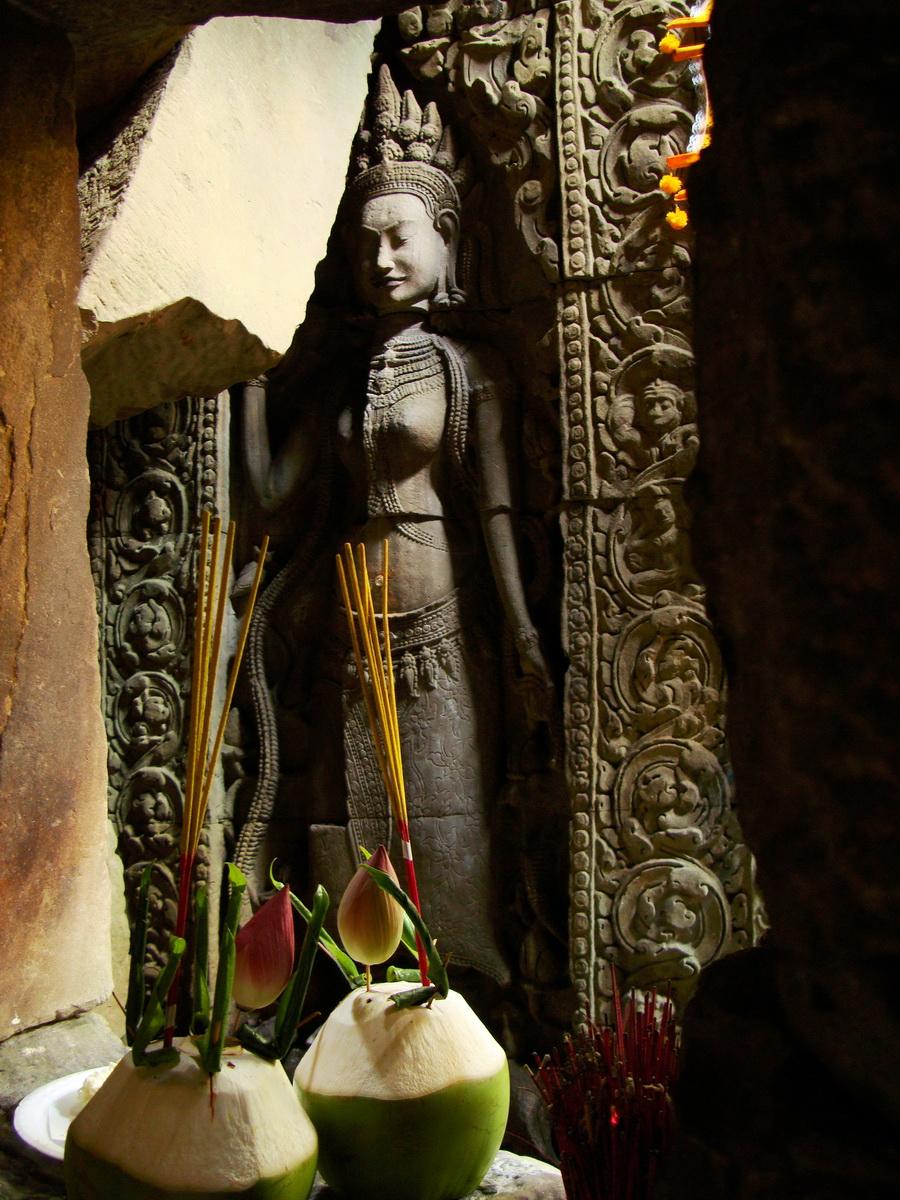 Preah Khan Temple Bas relief main female divinty shrine area 12
