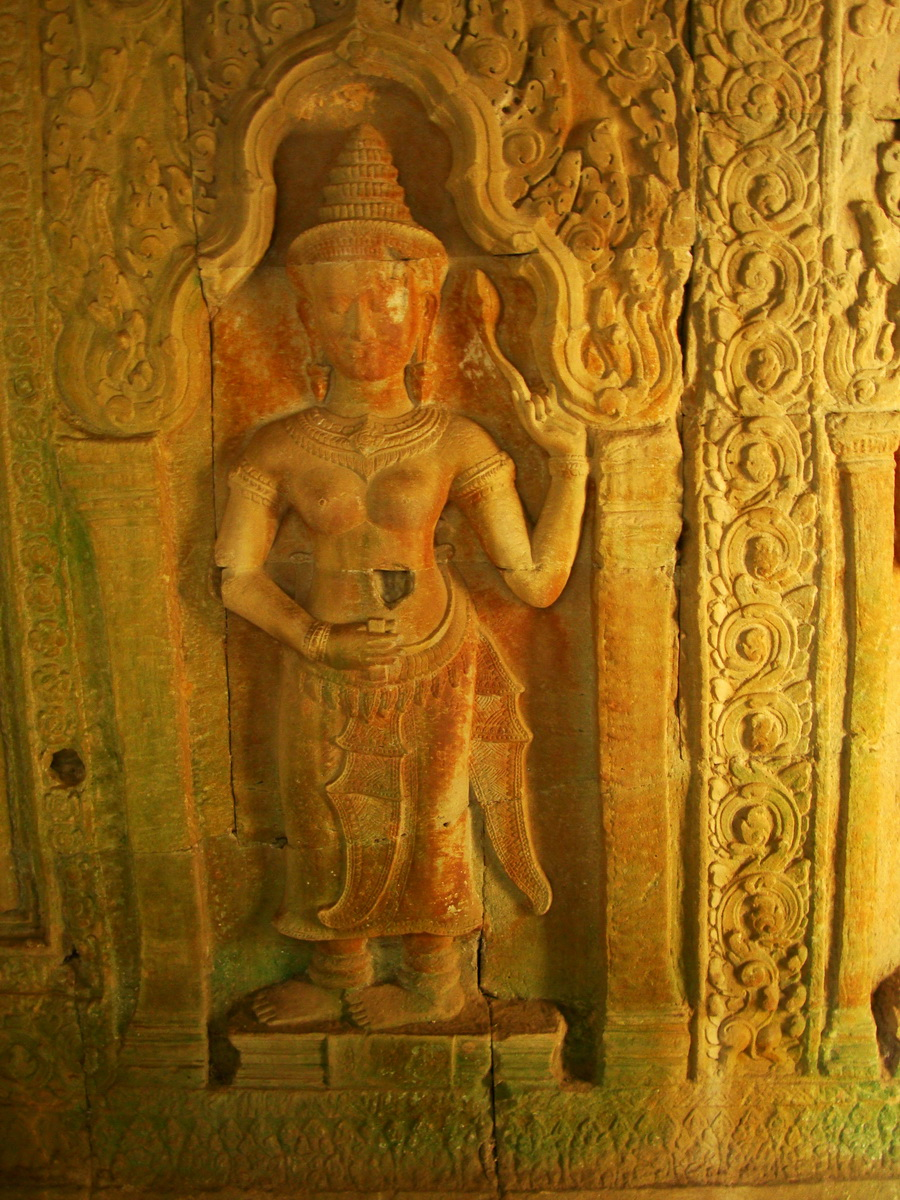 Preah Khan Temple Bas relief male and female divinty main enclosure 04