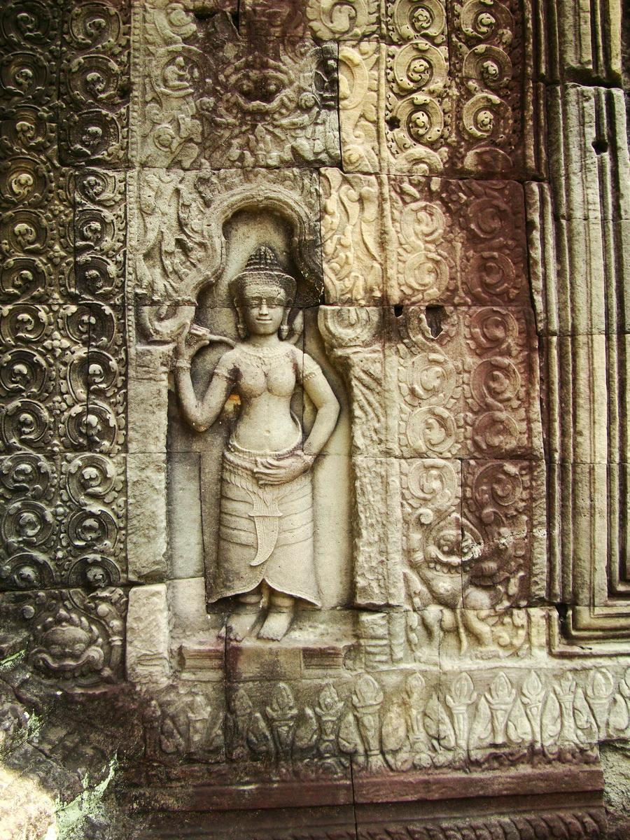 Preah Khan Temple Bas relief male divinty main enclosure 02