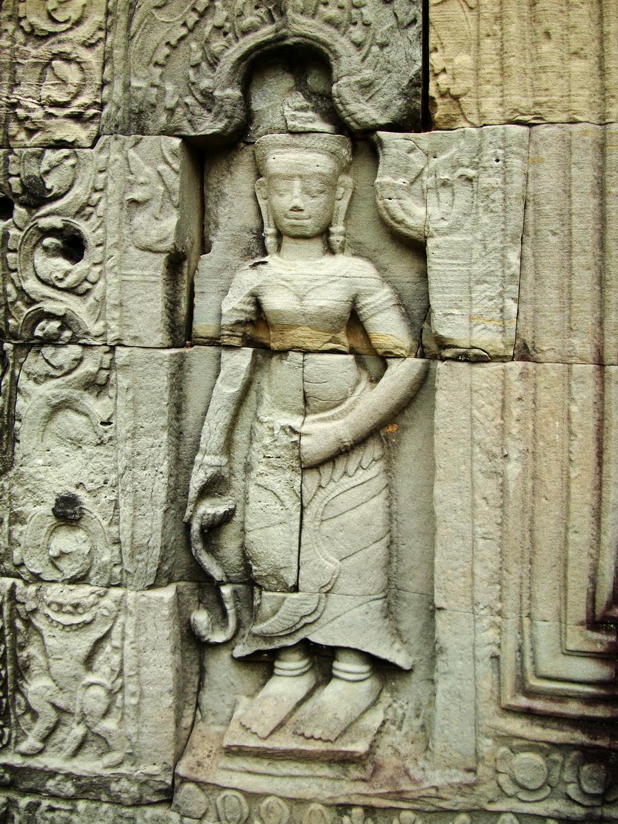 Preah Khan Temple Bas relief male divinty main enclosure 04