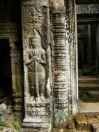 Asisbiz Preah Khan Bas relief mythic guardians Dvarapalas stand on guard 02