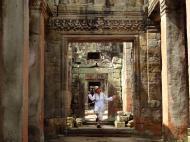 Asisbiz Preah Khan Temple Bas relief dancing Apsaras hall of dancers 06