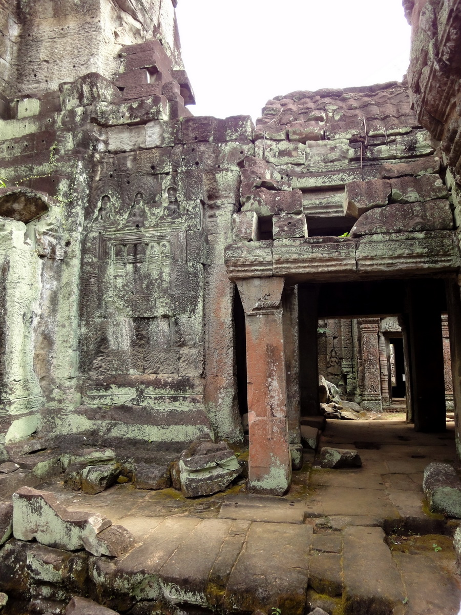 Jayavarman VIII destroyed many Buddha images during his reign 12