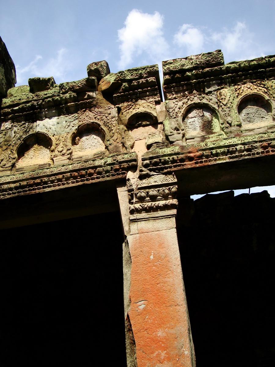Jayavarman VIII destroyed many Buddha images during his reign 16