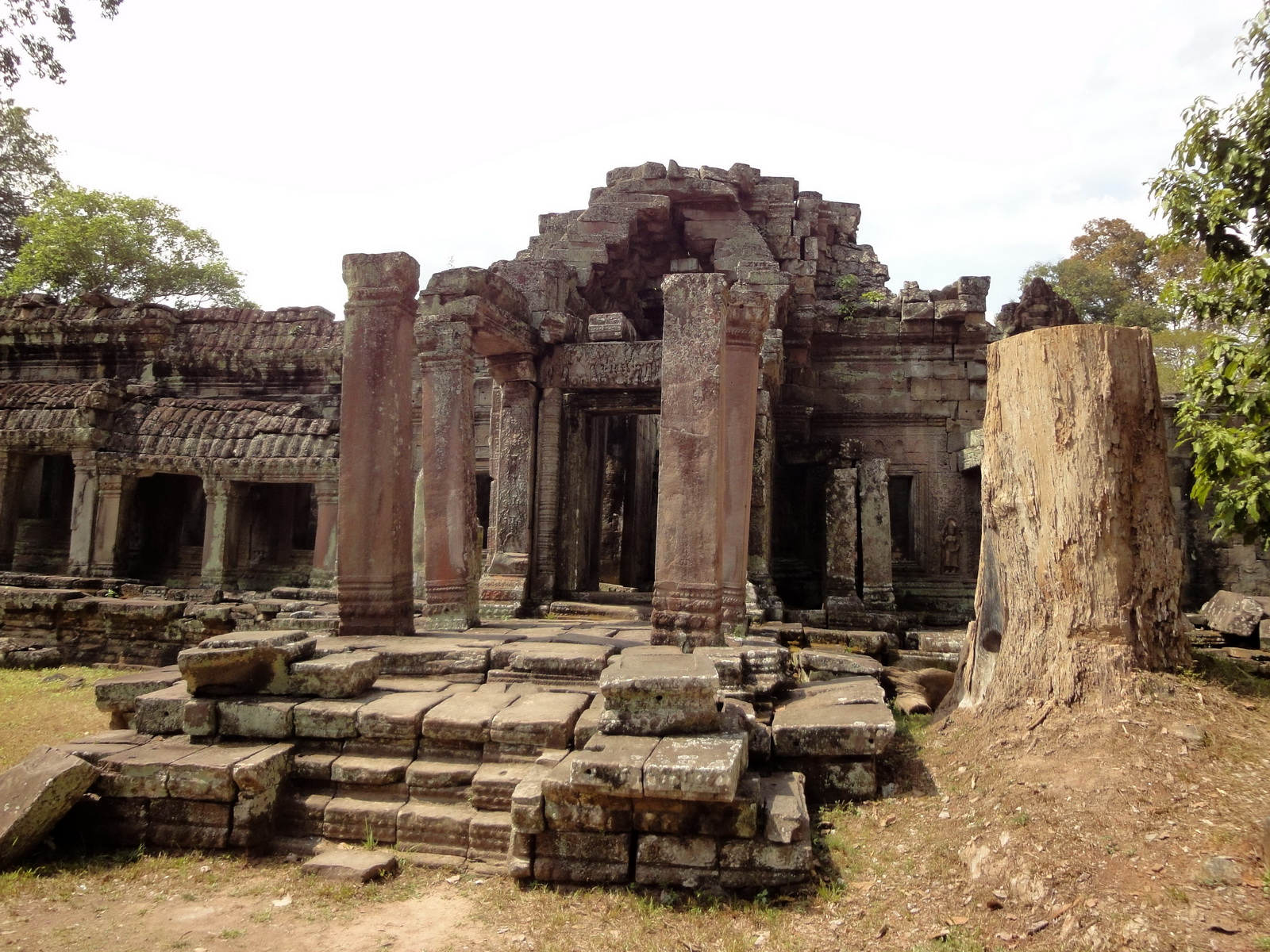 Preah Khan 12th century Khmer Style Eastern Gopura Angkor Thom 02