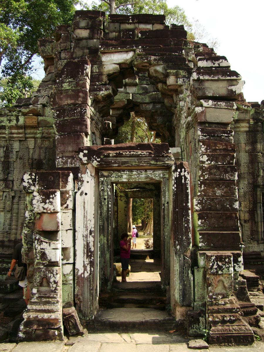 Preah Khan 12th century Khmer Style Eastern Gopura Angkor Thom 09