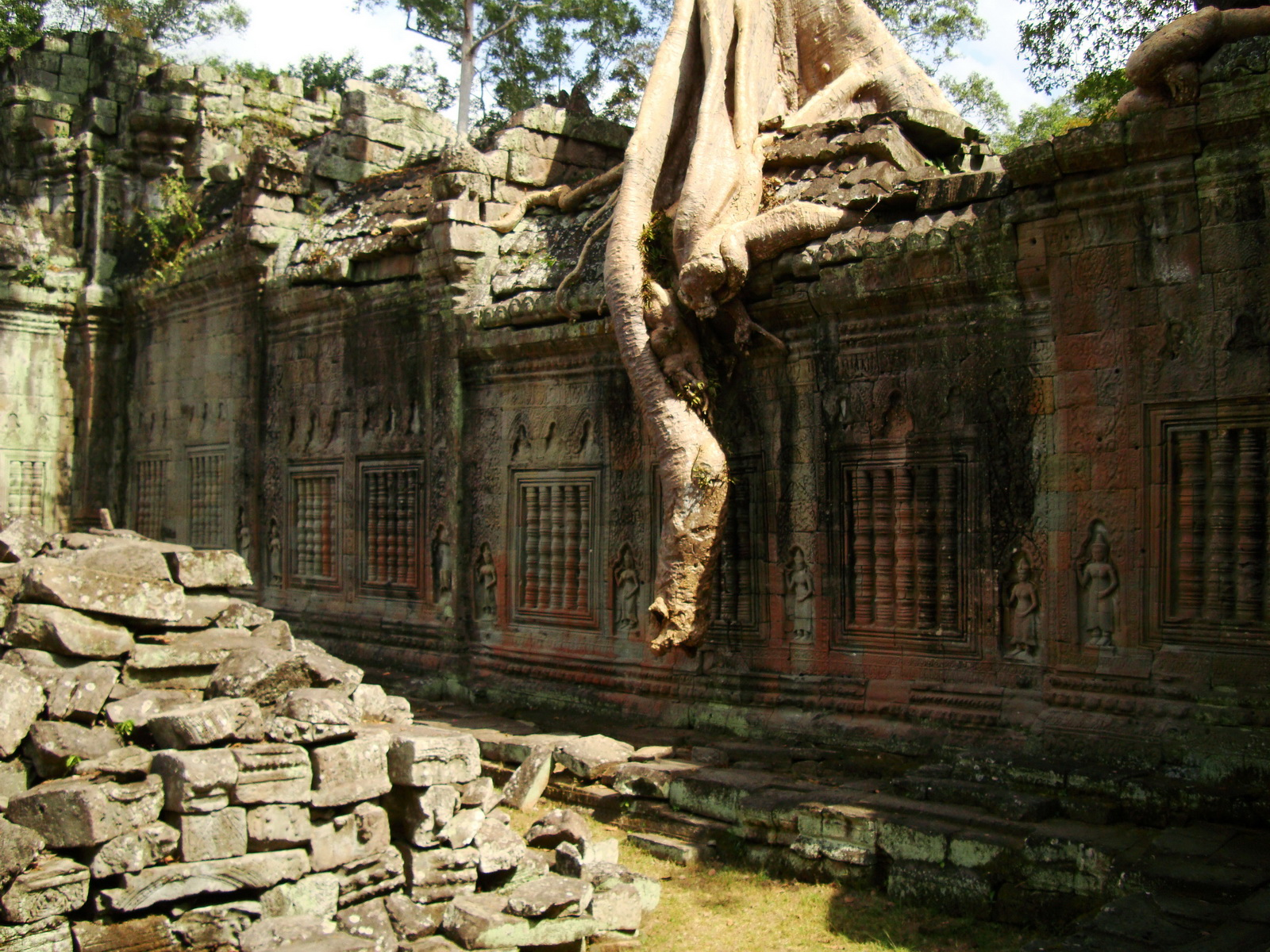 Preah Khan 12th century Khmer Style Eastern Gopura Angkor Thom 14