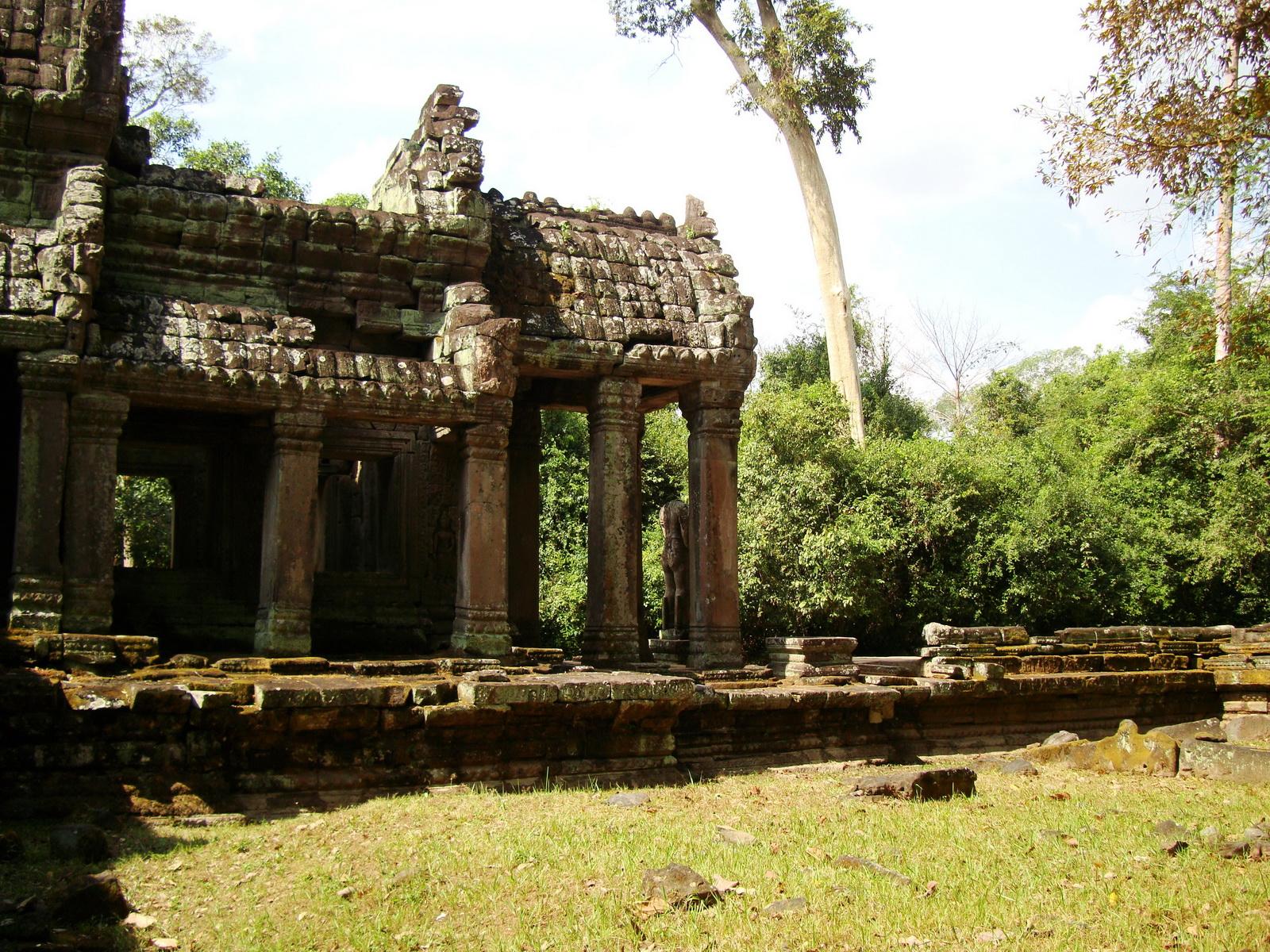Preah Khan 12th century Khmer Style Northern Gopura Angkor Thom 02