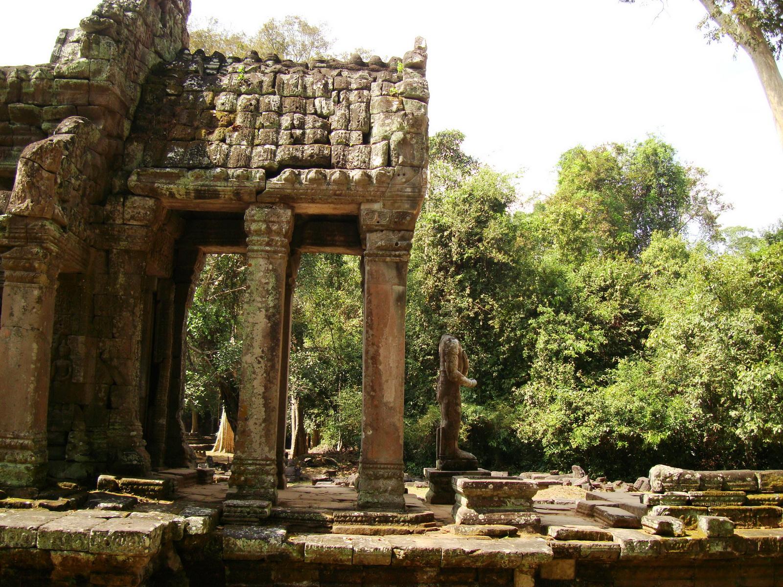 Preah Khan 12th century Khmer Style Northern Gopura Angkor Thom 03