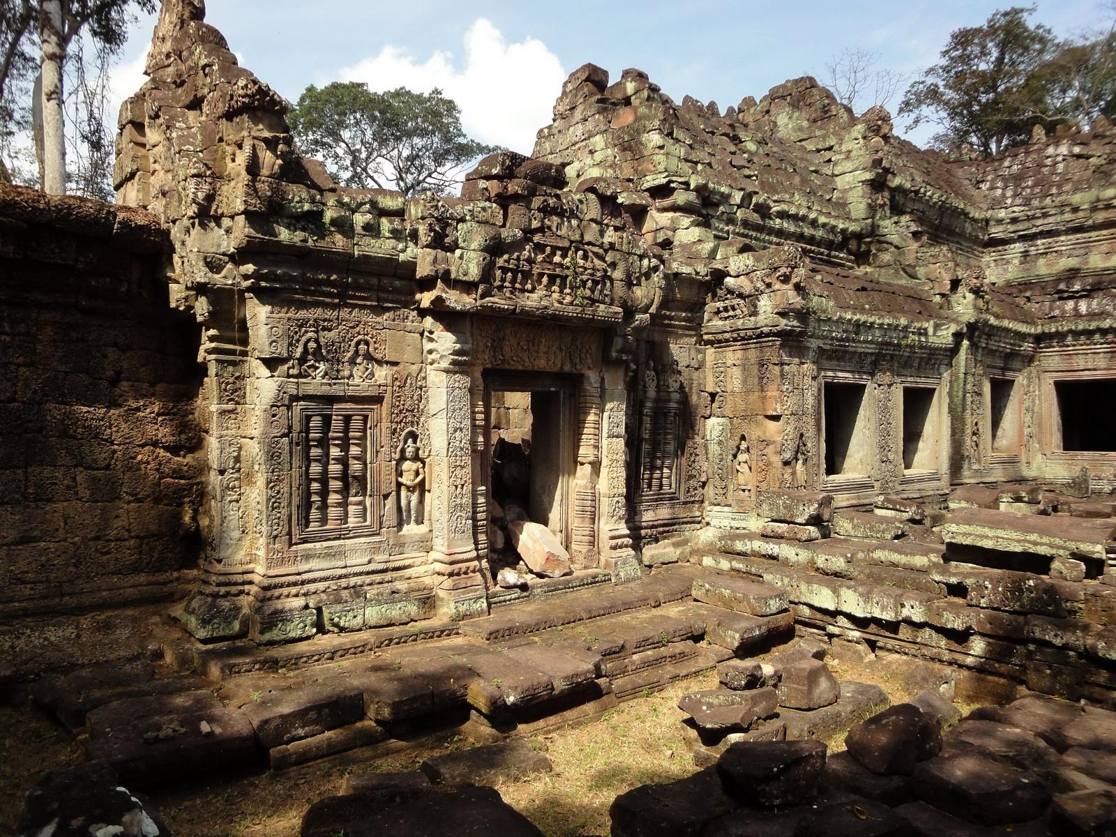 Preah Khan 12th century Khmer Style Western Gopura Angkor Thom 04