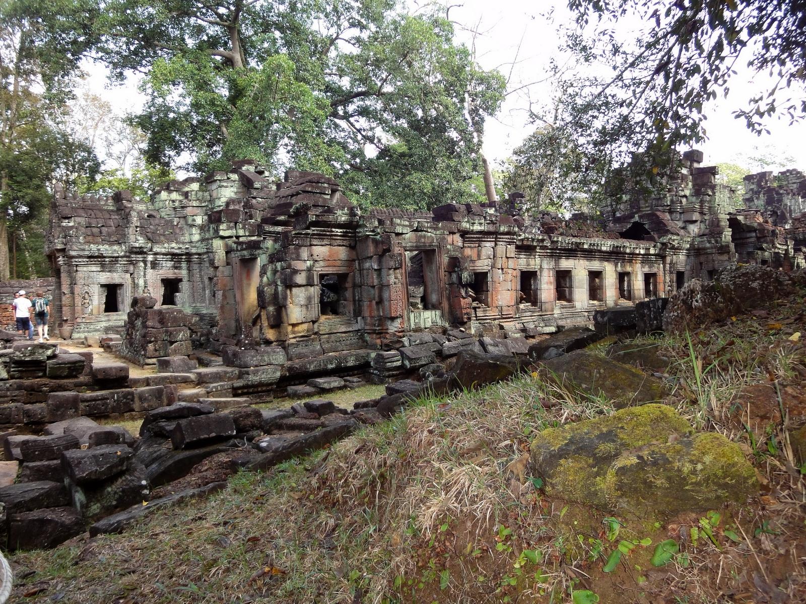 Preah Khan Temple 12th century Khmer Style galleries 01