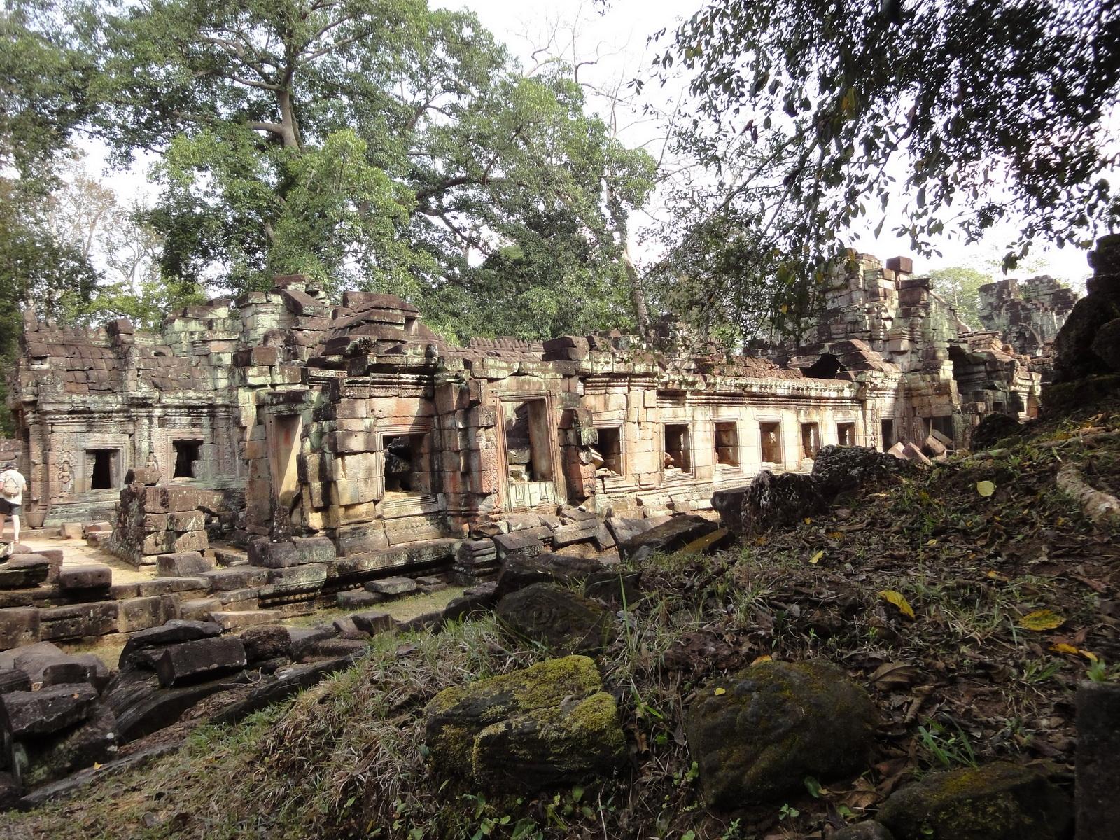 Preah Khan Temple 12th century Khmer Style galleries 02