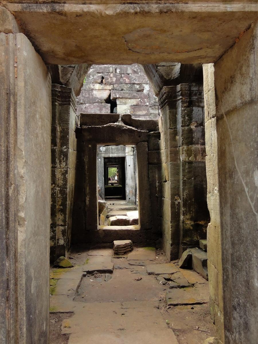 Preah Khan Temple 12th century Khmer Style passageways 02