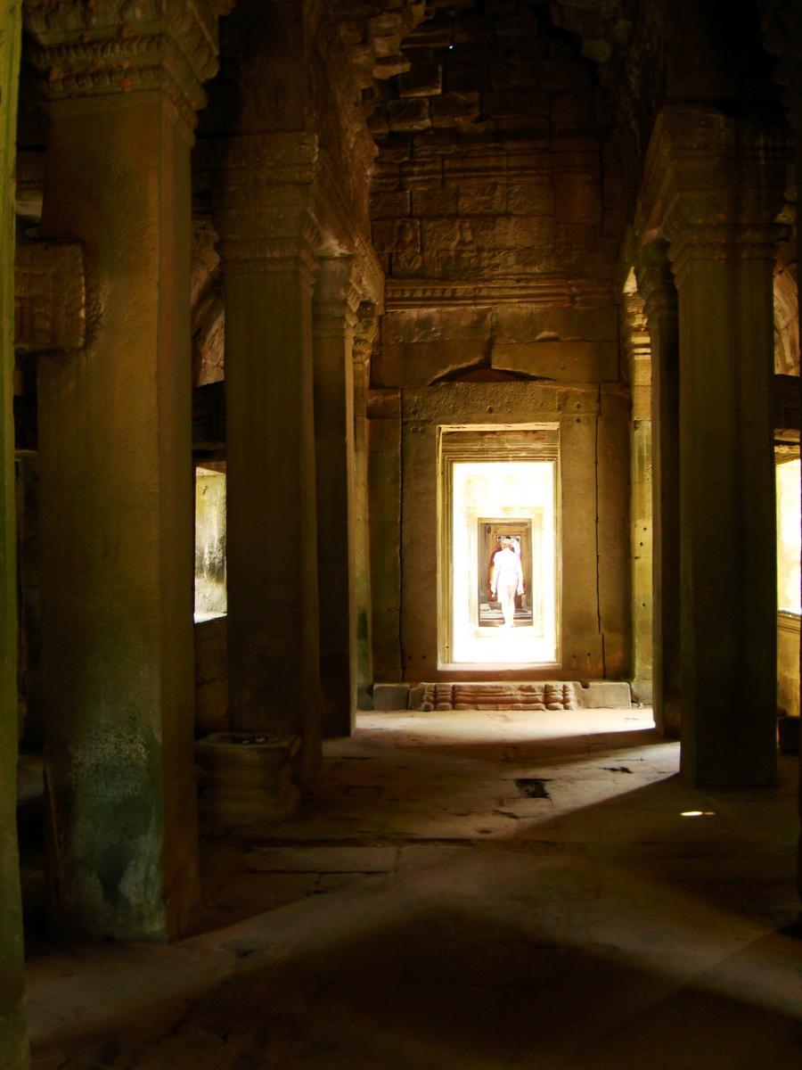 Preah Khan Temple 12th century Khmer Style passageways 03