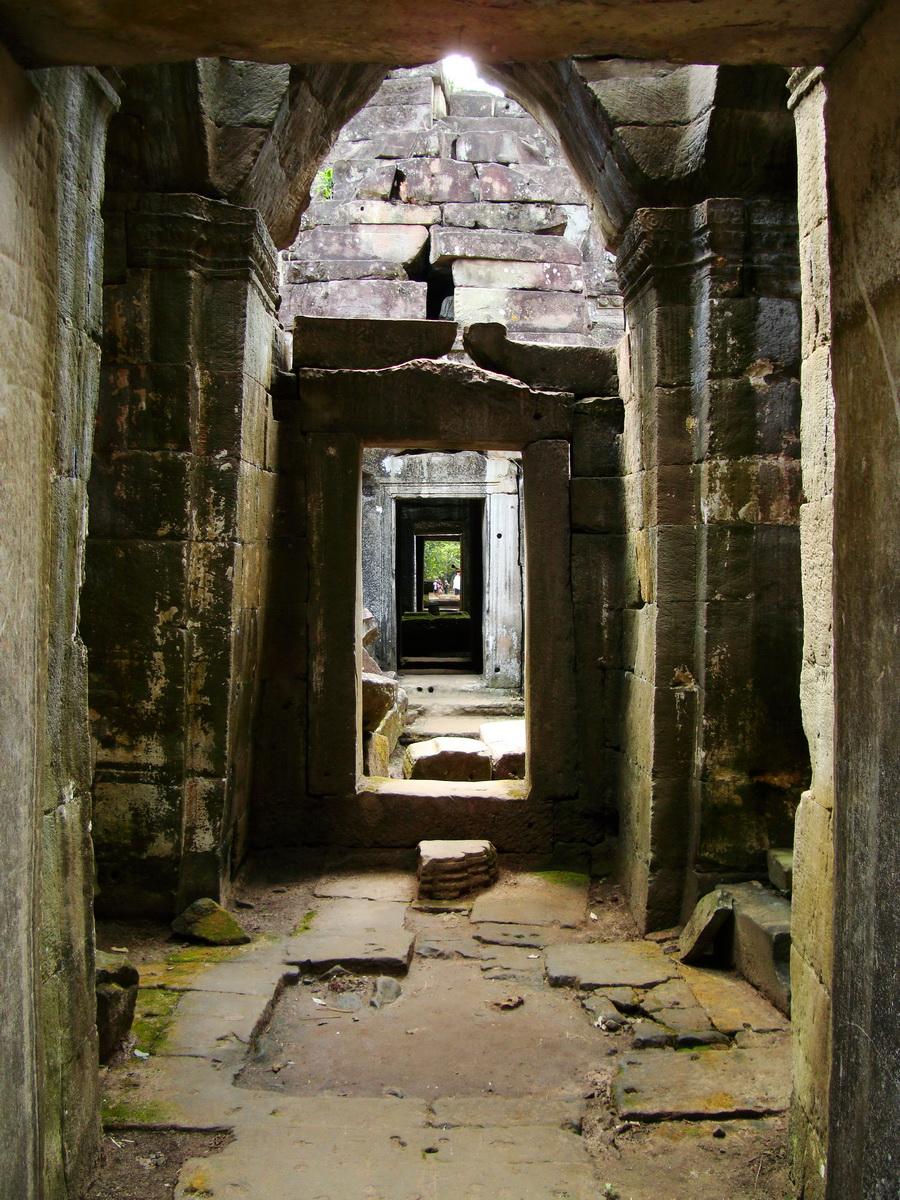 Preah Khan Temple 12th century Khmer Style passageways 09