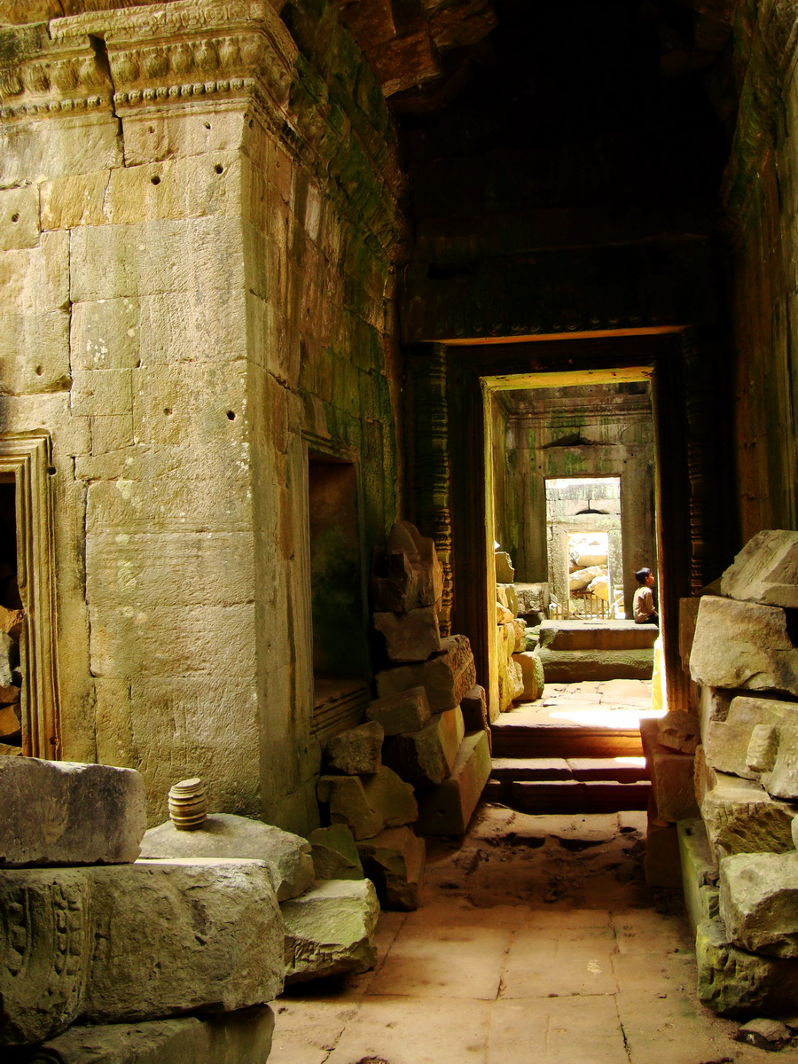 Preah Khan Temple 12th century Khmer Style passageways 18