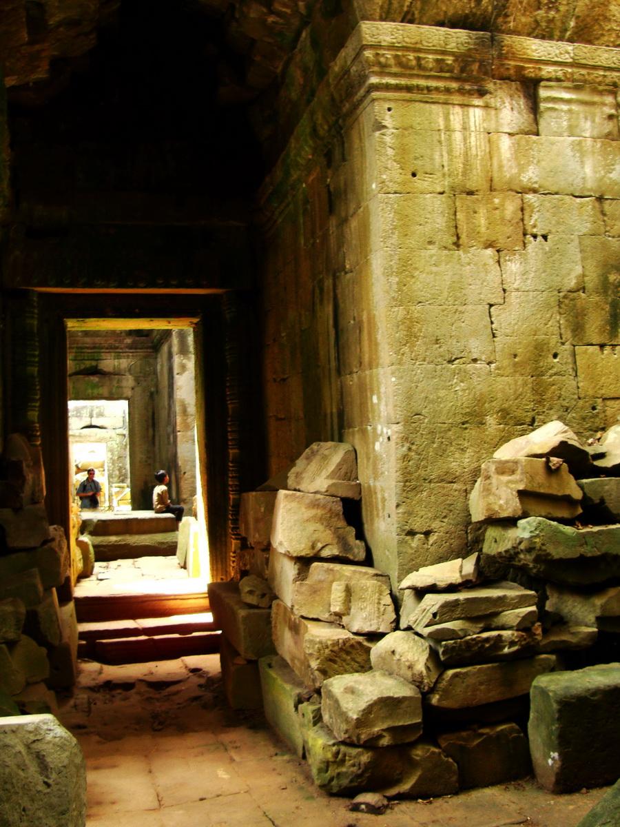 Preah Khan Temple 12th century Khmer Style passageways 19