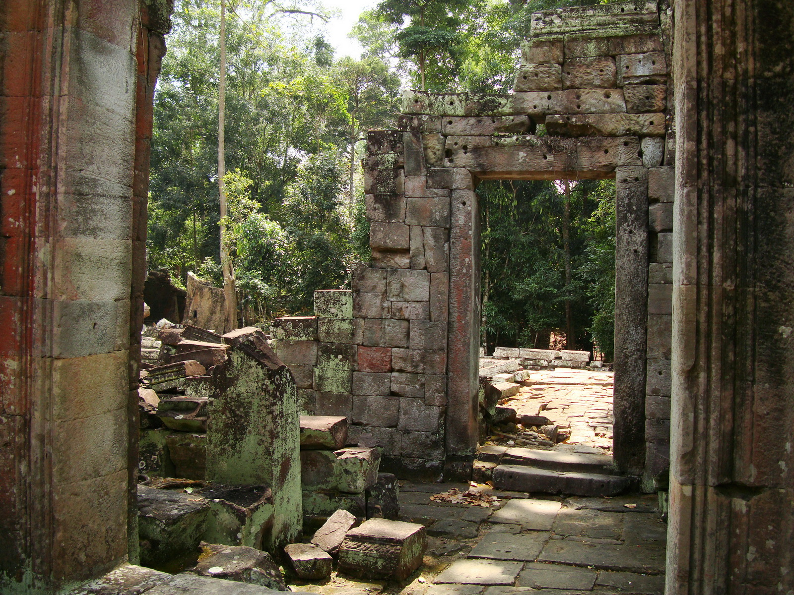 Preah Khan Temple 12th century Khmer Style passageways 24
