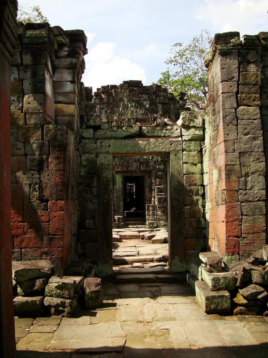 Preah Khan Temple 12th century Khmer Style passageways 25