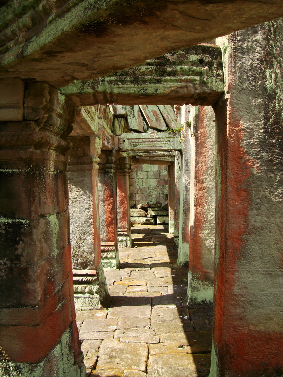 Preah Khan Temple 12th century Khmer Style passageways 27