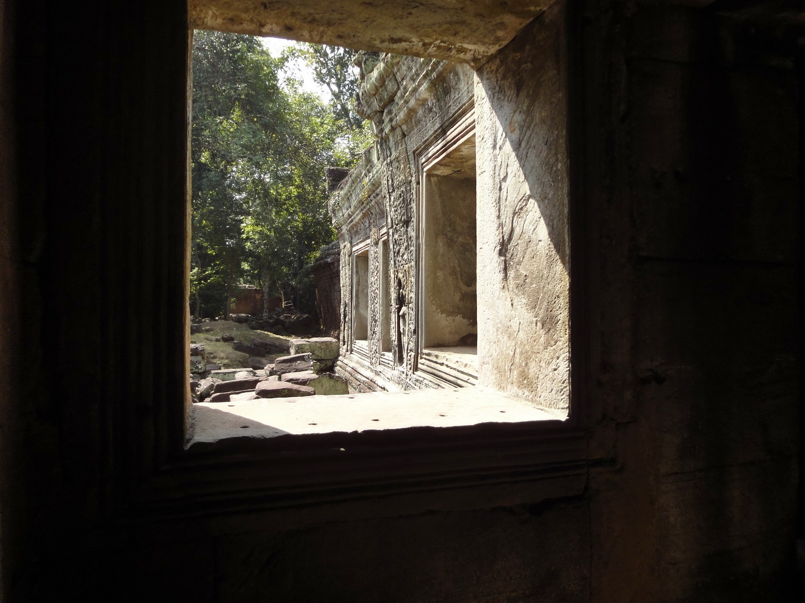 Preah Khan Temple 12th century Khmer Style windows 02