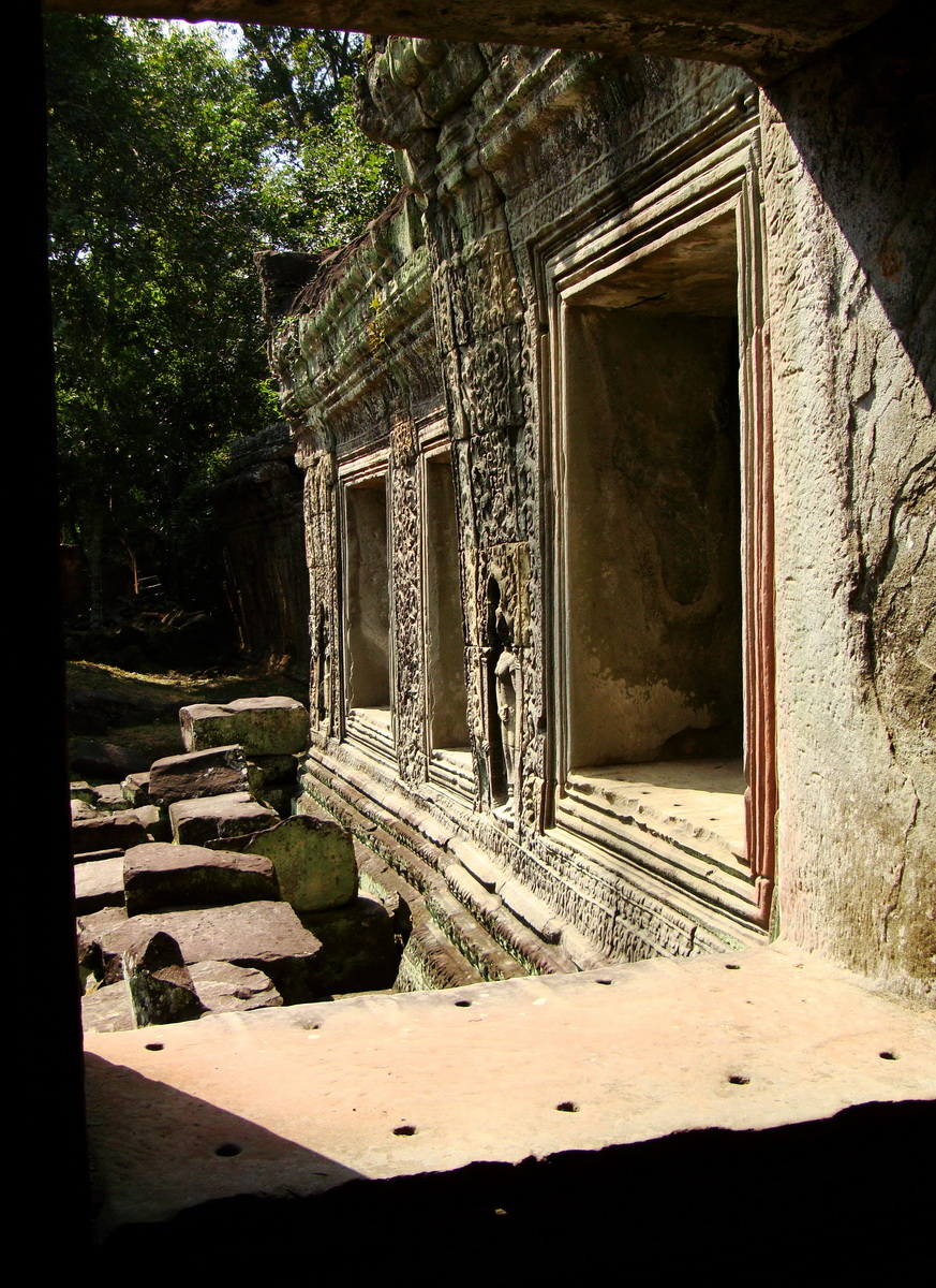 Preah Khan Temple 12th century Khmer Style windows 06