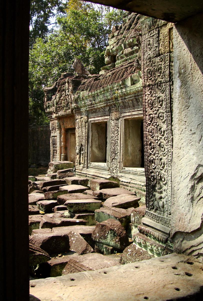 Preah Khan Temple 12th century Khmer Style windows 08