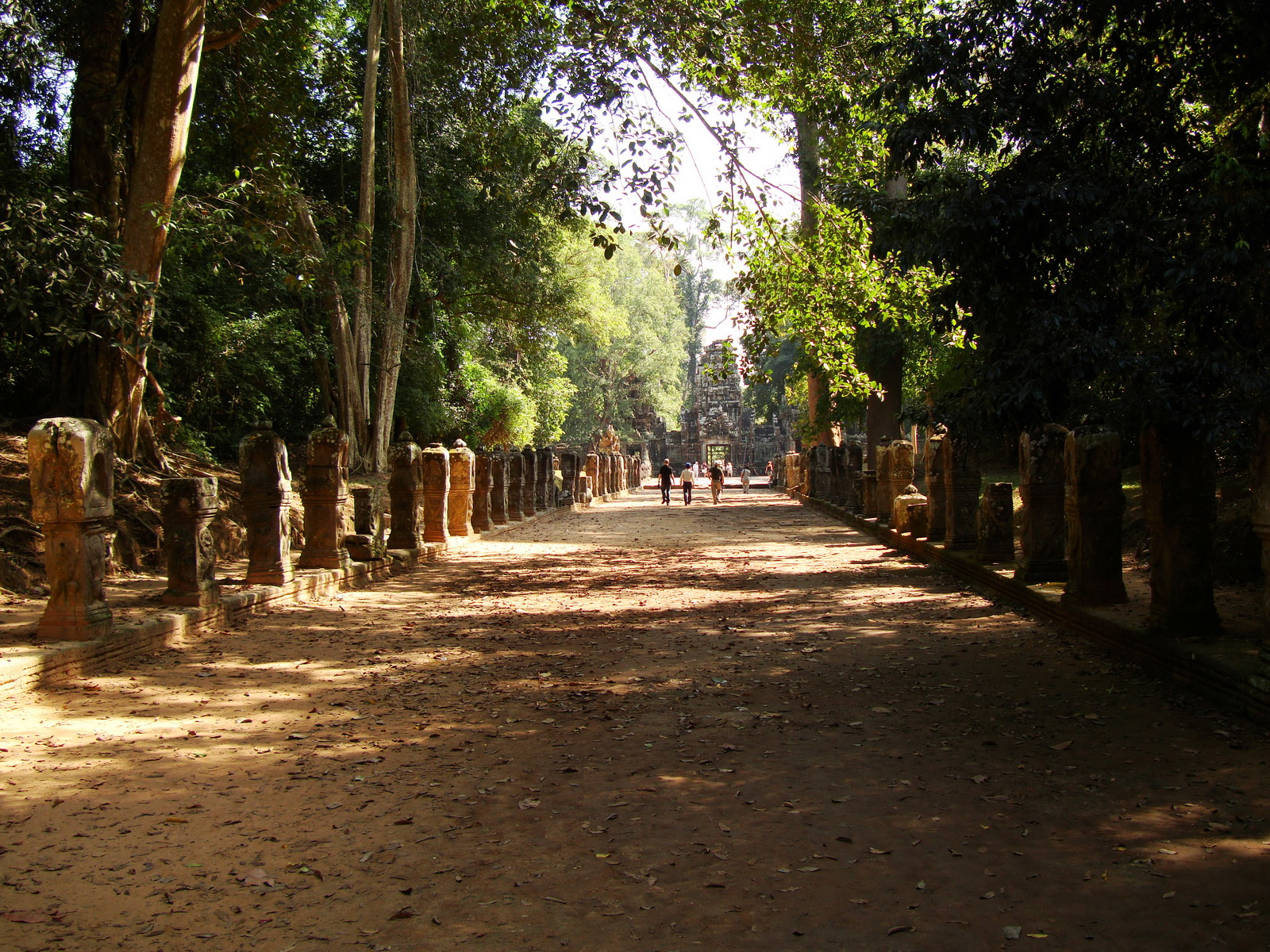 Preah Khan Temple boundarary stones along the western approach 01