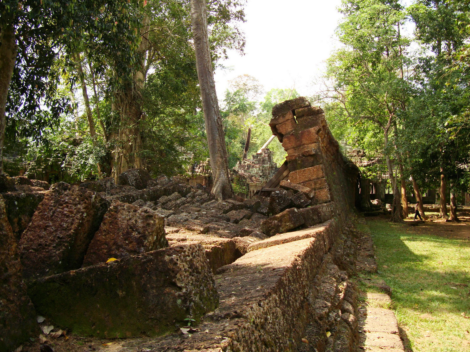 Preah Khan Temple collapsed laterite wall Northern Gopura 01