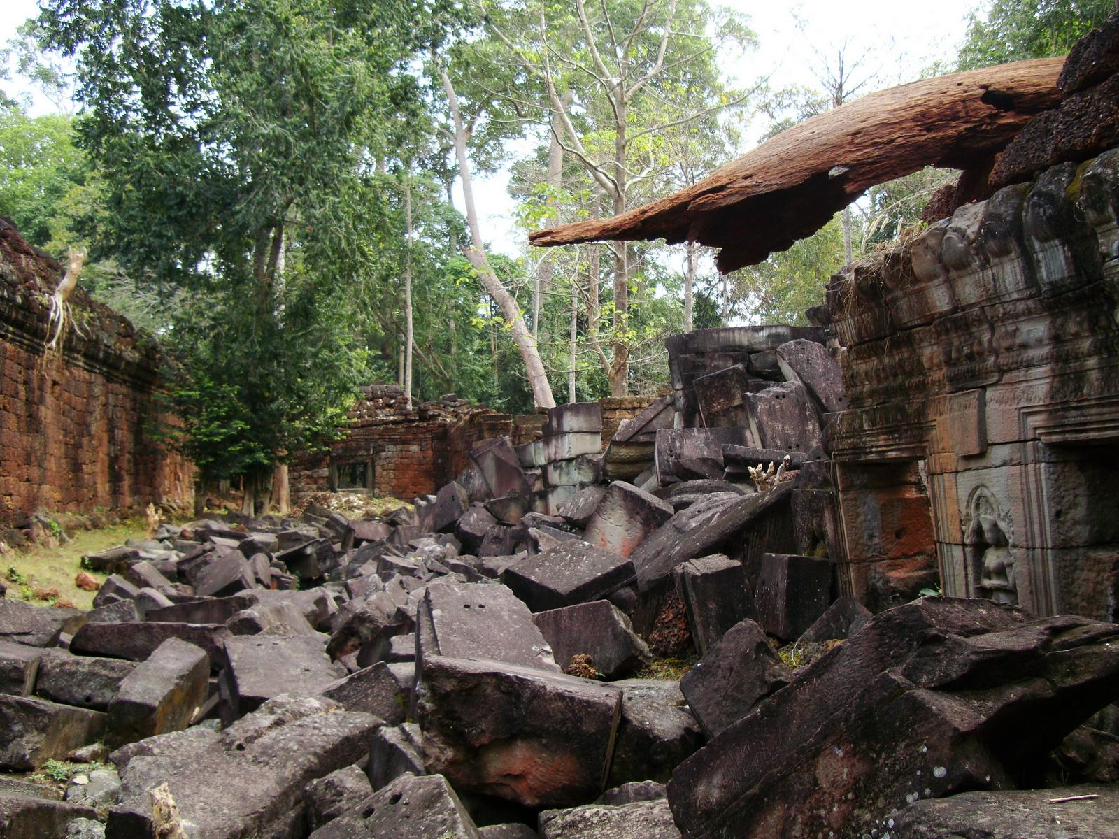 Preah Khan Temple collapsed masonary Preah Vihear province 02