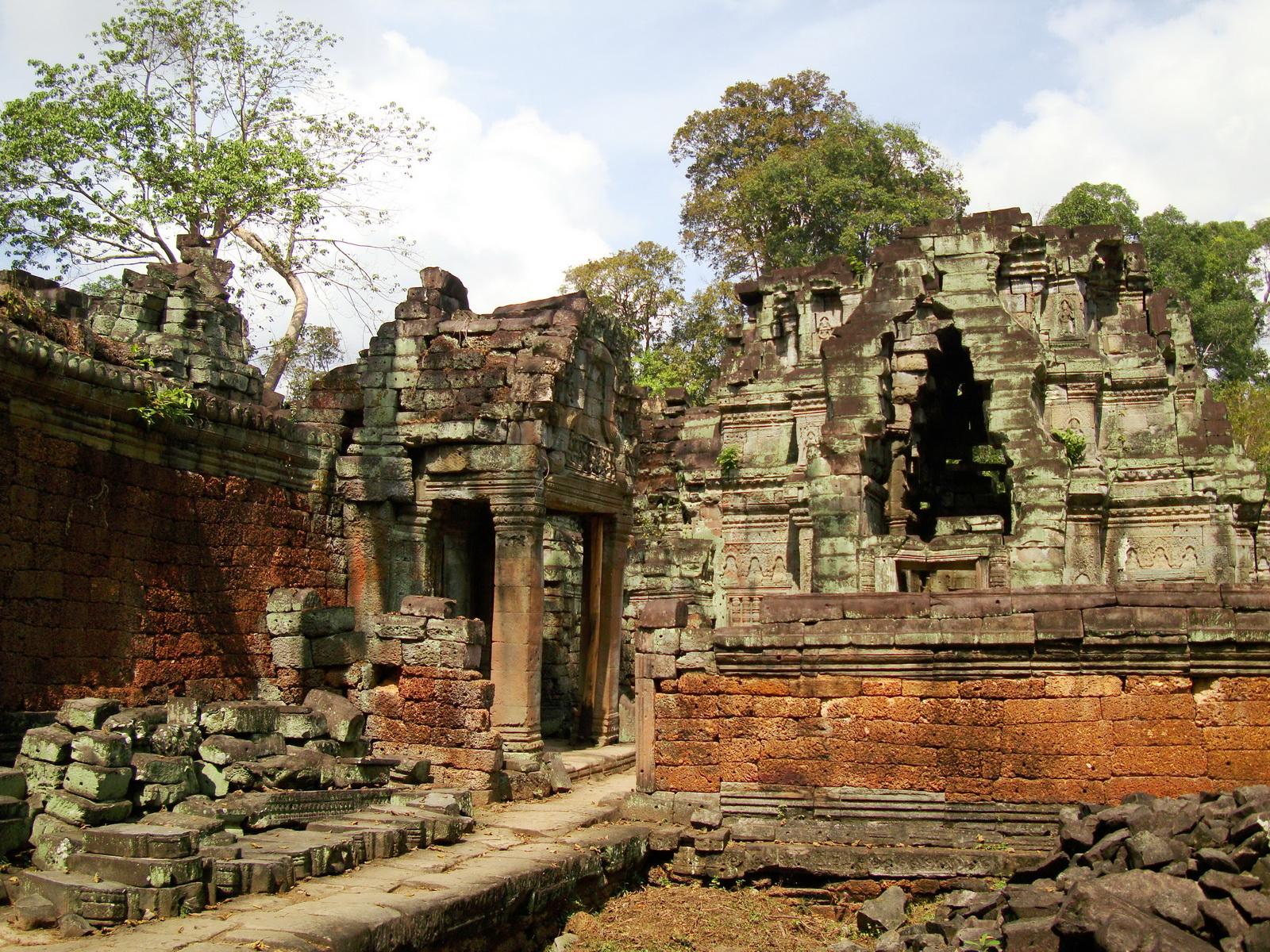 Preah Khan Temple hall of dancers inner Gopura 07
