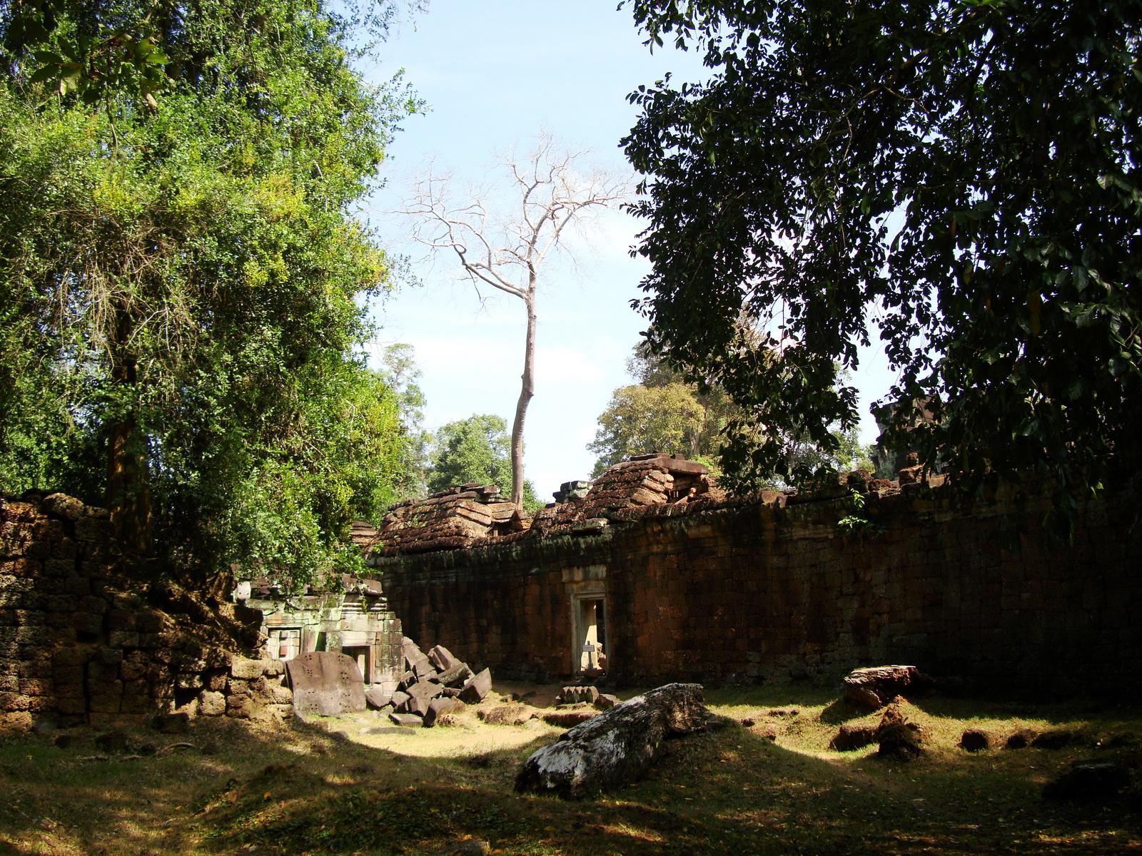 Preah Khan Temple inner laterite walls Preah Vihear province 02
