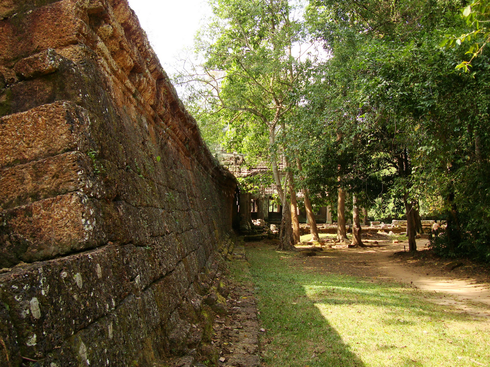 Preah Khan Temple laterite wall Northern Gopura Cambodia 01