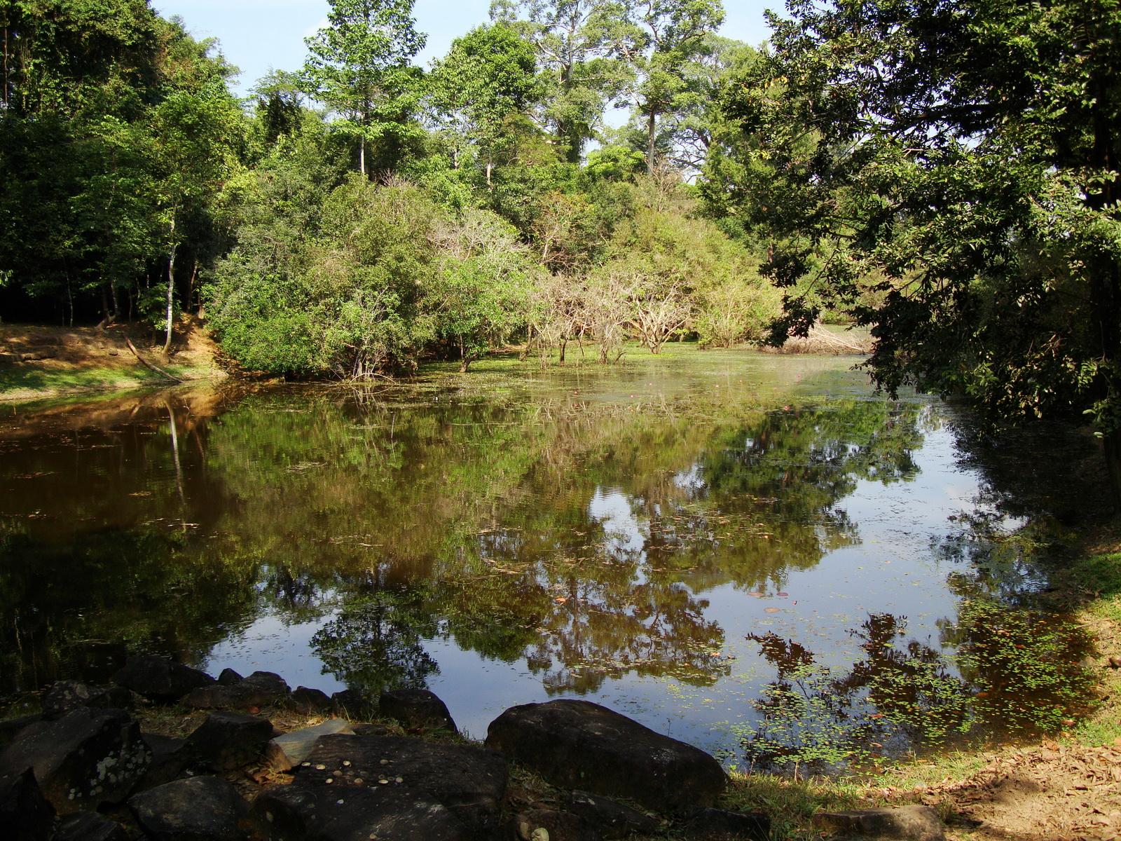 Preah Khan Temple moat west naga bridge Angkor Thom 04