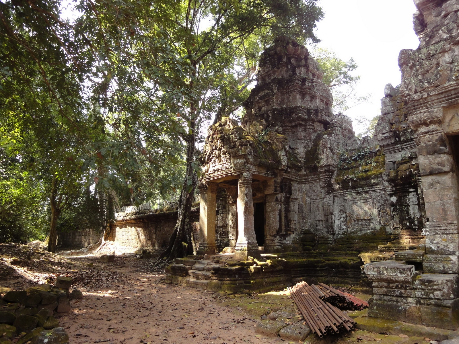Preah Khan Temple west Gopuram entry tower naga bridge Angkor Thom 05