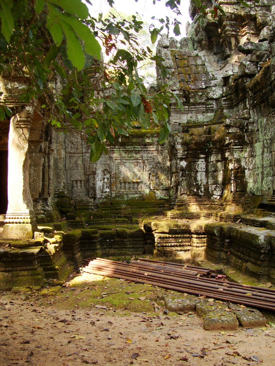Preah Khan Temple west Gopuram entry tower naga bridge Angkor Thom 06