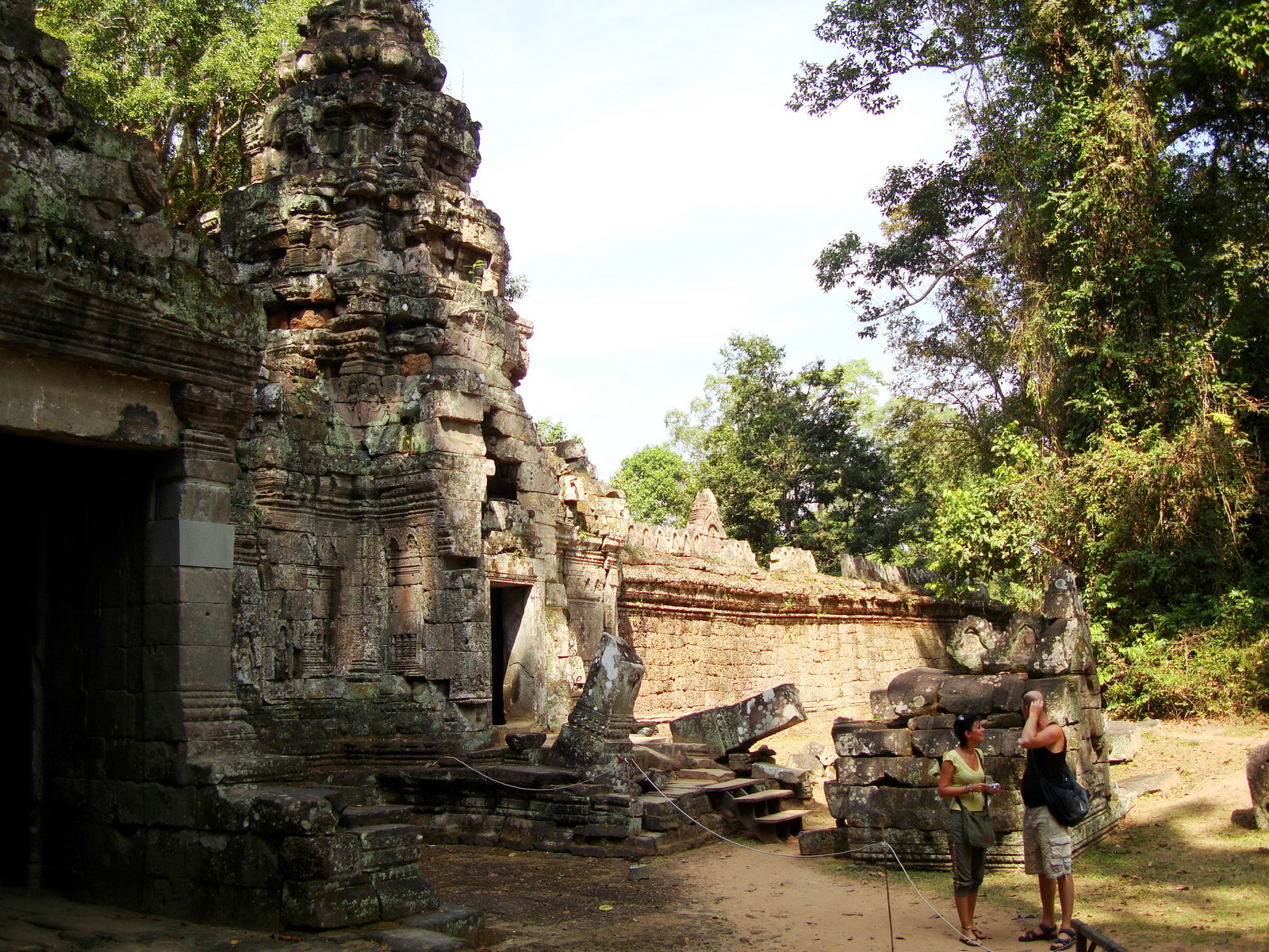 Preah Khan Temple west Gopuram entry tower naga bridge Angkor Thom 11